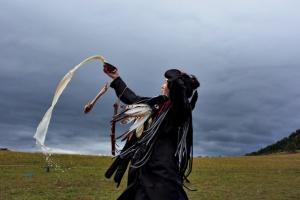 01-novice-shaman-mongolia-670