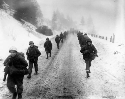 2BDE_1ID_WWII_troops_road_marching