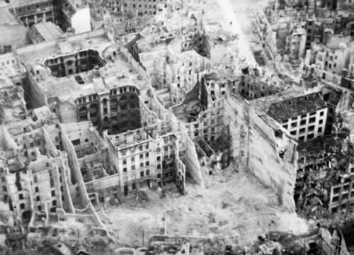 Berlin-_the_Capture_and_Aftermath_of_War_1945-1947_C5284