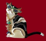 Lunch-at-the-Ritz-jewellery.-Brooch-glamorous-cat-in-sunglasses