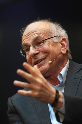 money_happiness_DanielKahneman_pop_5214