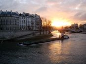 paris-seine-boat