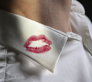 lipstick-stain-on-shirt